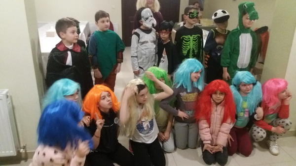Bal mascat pentru copii