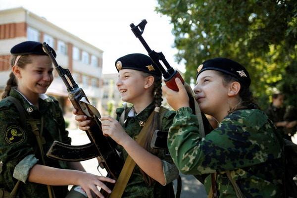 Tabara militara 6, tabere militare pentru copii